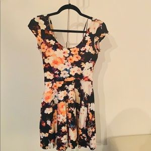 Urban Outfitters  mini Floral A line dress-XS